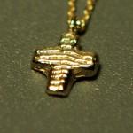 Kreuz aus 585 Gelbgold